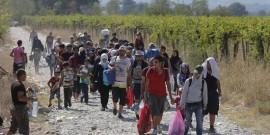 Europa-refugiados-a-pie-hacia-Alemania-EFE-550x330